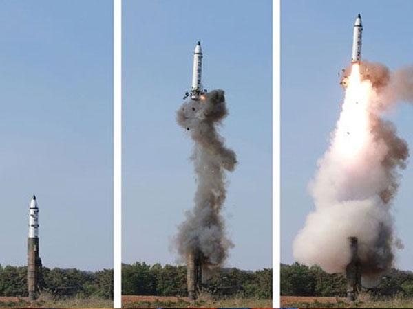 """Triều Tiên có thể đã thu được """"dữ liệu quan trọng"""" sau vụ phóng tên lửa"""