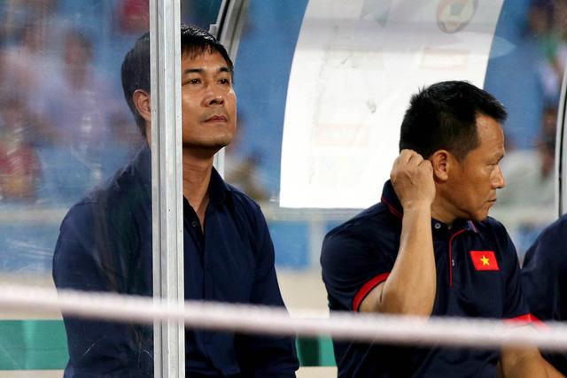 Sự khác biệt giữa hai HLV Hoàng Anh Tuấn và Nguyễn Hữu Thắng