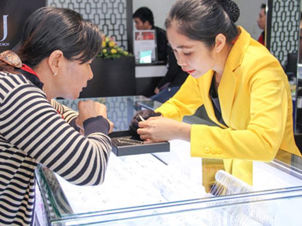 Giá vàng miếng tăng trong phiên cuối tuần