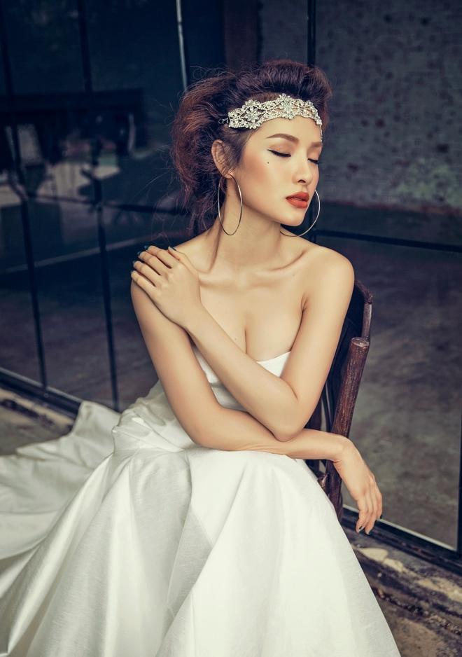 Phương Trinh Jolie: Trải lòng chuyện yêu chung đại gia với đàn chị - Ảnh 1.
