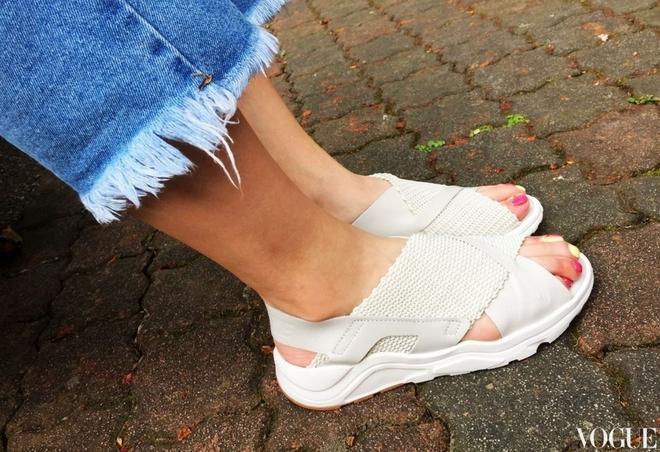 Đoạn clip về đôi sandals mới của Nike khiến nàng nào cũng muốn mua ngay - Ảnh 8.