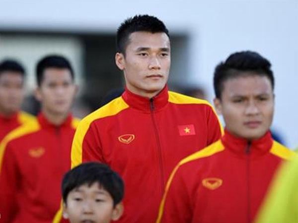Bệnh thành tích của bóng đá Việt Nam: CĐV vô tội?