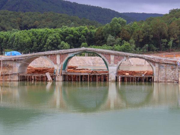 Cán bộ văn phòng HĐND tỉnh xây khu du lịch sinh thái