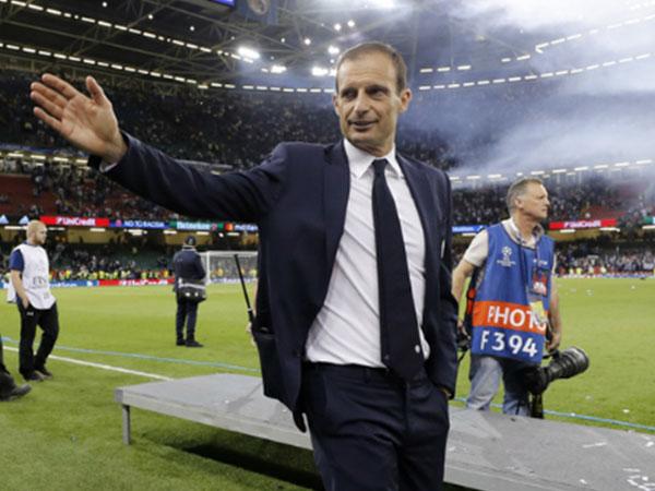 Juventus gia hạn với Allegri, Monaco giữ chân Jardim tới 2020