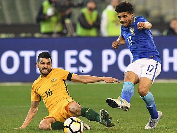 Brazil vùi dập Australia 4 bàn không gỡ