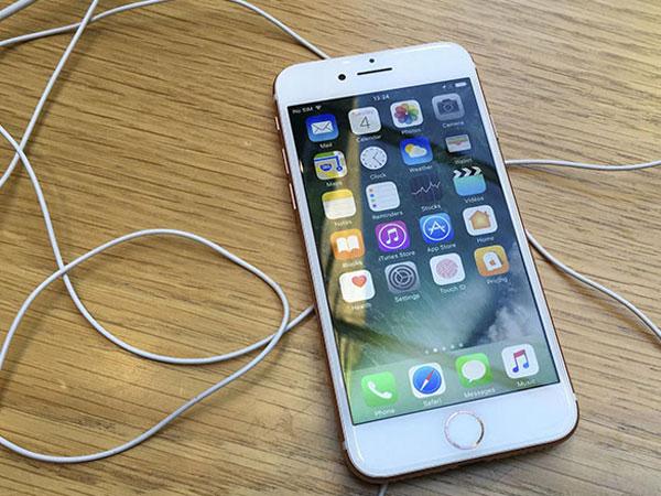 iPhone 8 có khả năng sạc không dây, chống nước tốt hơn