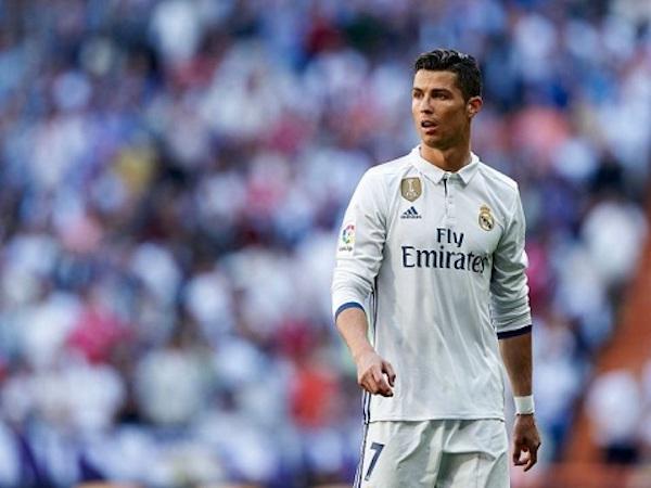 """Cần bao nhiêu tiền để """"giải cứu"""" Cristiano Ronaldo khỏi Real?"""