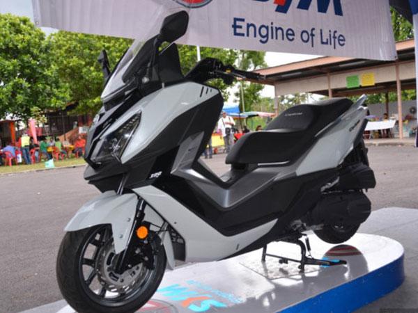 SYM Cruisym 300i có giá bán gần 6.000 USD ở Indonesia