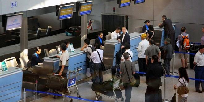 Cả gia đình không nên ngồi cùng 1 chuyến bay: Lựa chọn không dành cho người có thu nhập trung bình - Ảnh 2.