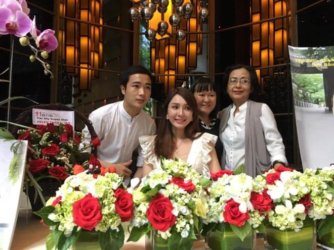Hop bao cua Helen Thanh Dao tai TP.HCM vang tanh hinh anh 3
