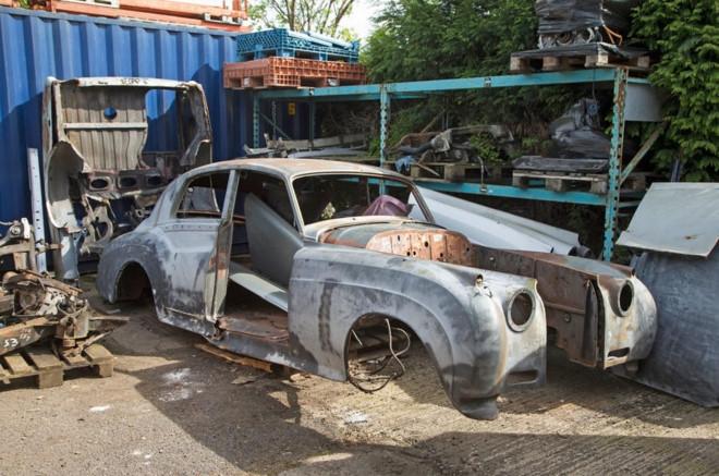 Nghia trang xe sieu sang Rolls-Royce va Bentley lon nhat the gioi hinh anh 4