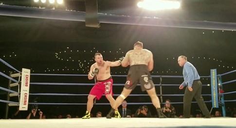 Võ sĩ UFC qua đời sau trận thua knock-out ở môn quyền anh - ảnh 2