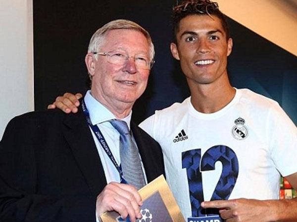 Ronaldo nói với Alex Ferguson về mong muốn rời Real