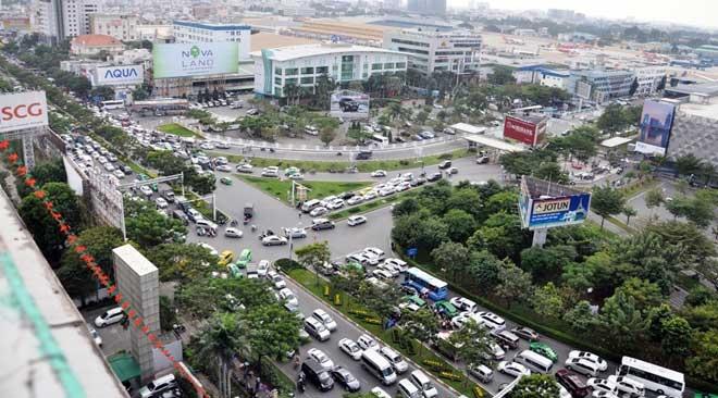 """Cận cảnh cây cầu bạc tỷ """"giải cứu"""" kẹt xe ở Tân Sơn Nhất trước giờ G - 3"""