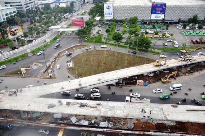 """Cận cảnh cây cầu bạc tỷ """"giải cứu"""" kẹt xe ở Tân Sơn Nhất trước giờ G - 9"""