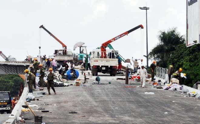 """Cận cảnh cây cầu bạc tỷ """"giải cứu"""" kẹt xe ở Tân Sơn Nhất trước giờ G - 11"""
