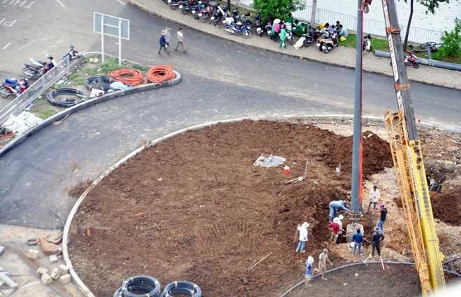 """Cận cảnh cây cầu bạc tỷ """"giải cứu"""" kẹt xe ở Tân Sơn Nhất trước giờ G - 12"""