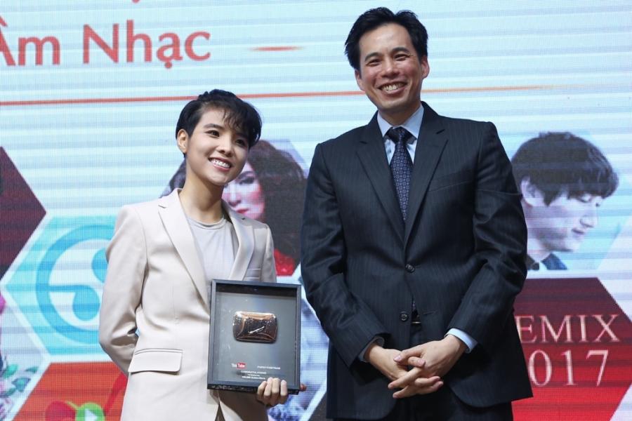 Đan Trường, Phi Nhung được Youtube vinh danh - 2