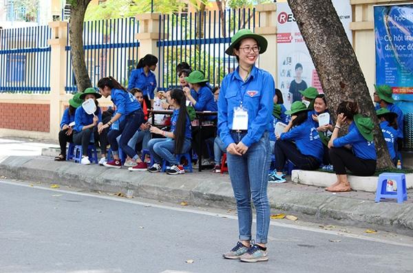 Sự nhiệt thành trẻ trung luôn hiện hữu trên gương mặt các nữ tình nguyện.