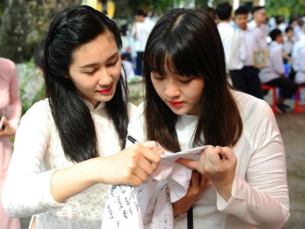 Hà Nội: Công bố điểm chuẩn trúng tuyển vào lớp 10 của 4 trường chuyên