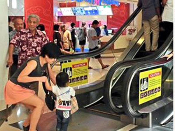 Thủ đoạn bắt cóc trẻ em mới cực kỳ tinh vi tại trung tâm thương mại cha mẹ cần lưu ý