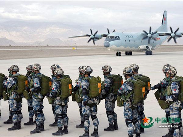 Trực thăng tấn công, đặc nhiệm Trung Quốc tới