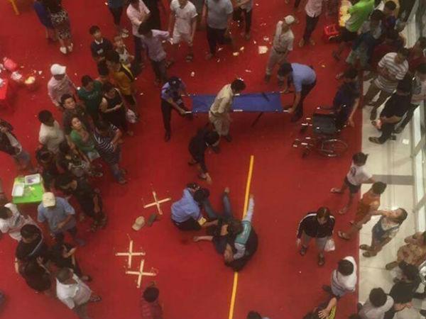 Náo loạn thanh niên nhảy lầu ở khu vui chơi trẻ em tại TTTM Bình Tân