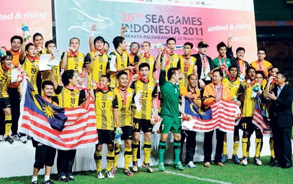 Chủ nhà Malaysia buộc phải hủy trò mèo ở SEA Games 29 - Ảnh 1.