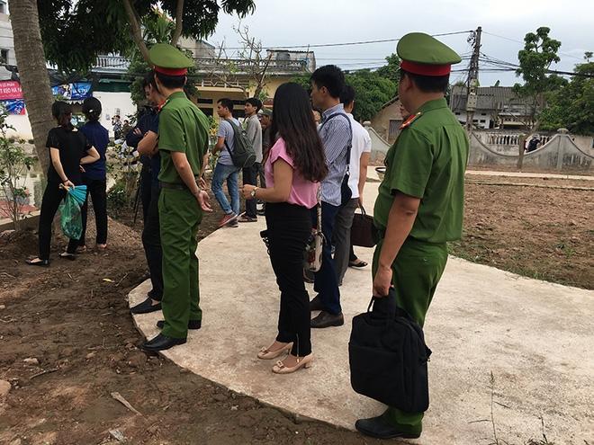 Vụ 4 người đuối nước ở Thường Tín: Vợ tưởng chồng đưa các cháu đi viện - Ảnh 2.