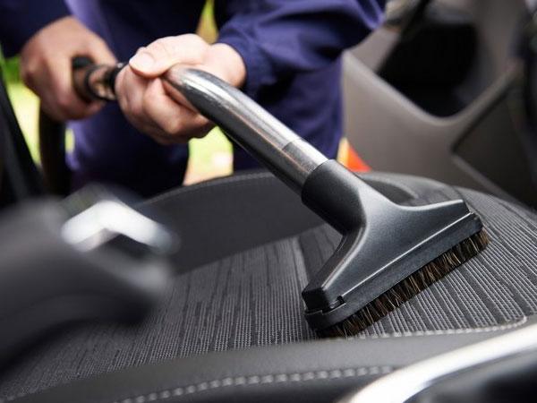 Làm sao để khử mùi xe hơi hiệu quả?