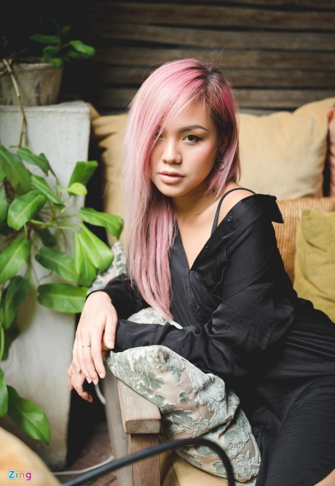 Quynh Nhu The Face: 'Mat Hoang Thuy nhin ac nen de bi hieu nham' hinh anh 2