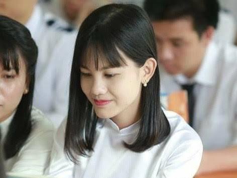 Thủ khoa Lê Hồng Nga.