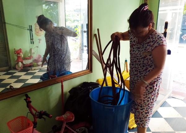 Hà Nội: Thiếu nước sinh hoạt, nhiều gia đình KĐT Đại Kim ngậm ngùi bỏ 3 triệu đồng/20 ngày mua nước sạch - 2