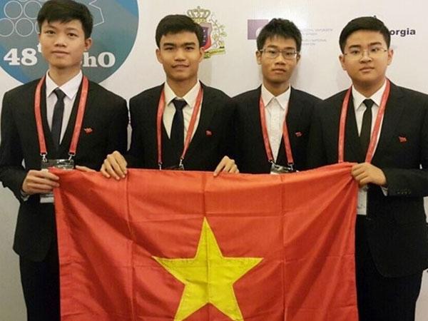 Nam sinh 2 năm liên tục giành Huy chương Vàng Olympic Hoá quốc tế