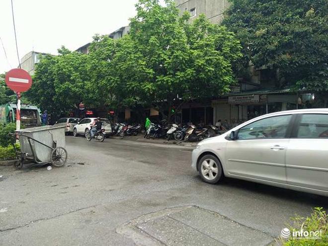 Chủ tịch UBND phường: Chủ quán cà phê đã đổ nước mắm vào ôtô của cán bộ UBND quận - Ảnh 1.