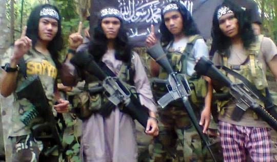 Hang loat tu nhan dinh liu Abu Sayyaf vuot nguc o Philippines hinh anh 1