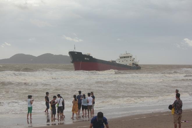 Hình ảnh tan hoang sau cơn bão số 2 ở miền Trung - Ảnh 11.