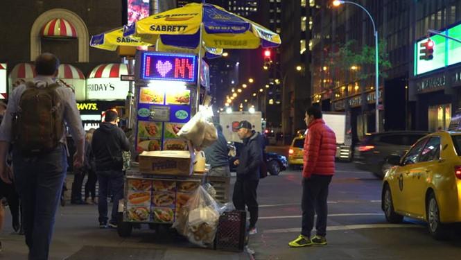 Xúc xích Sabrett được bày bán ở TP. New York, Mỹ /// Shutterstock