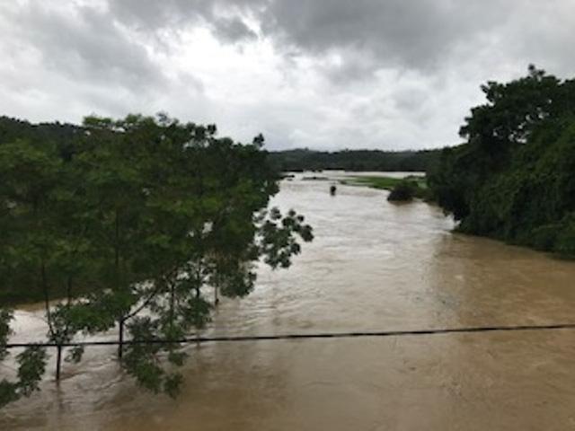 Sông Âm đoạn chảy qua địa bàn huyện Lang Chánh đang dâng cao