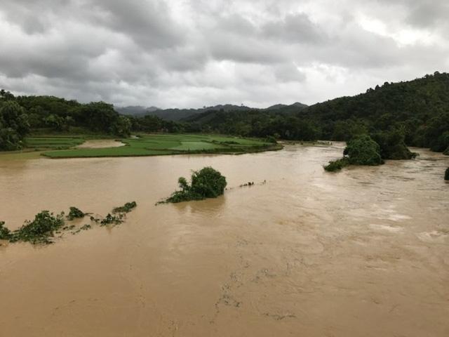 Nhiều địa phương đã bị cô lập sau bão