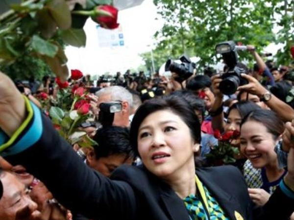 Án sắp tuyên cho bà Yingluck nhưng họ Shinawatra vẫn còn mạnh