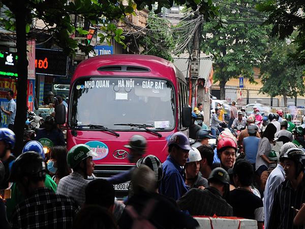 Chuyển 53 nốt xe Ninh Bình: Hà Nội tạo điều kiện gì cho nhà xe?