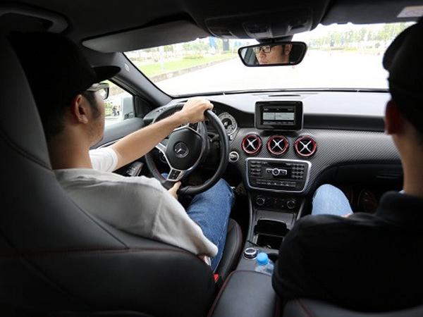 Những mẹo lái ôtô an toàn cơ bản