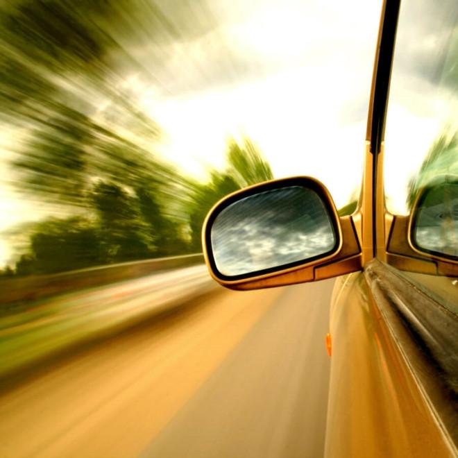 Những mẹo lái ôtô an toàn cơ bản - 1