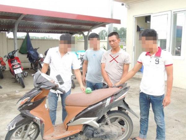 Hà Nam: Bắt 2 đối tượng tàng trữ 1 cây heroin
