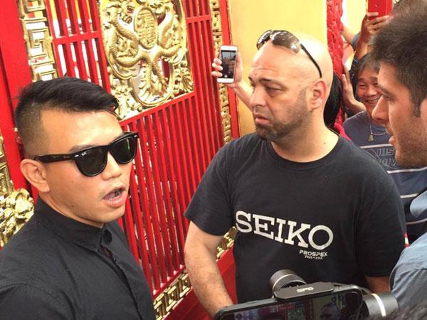 Nam Huỳnh Đạo đóng cổng, không tiếp Flores
