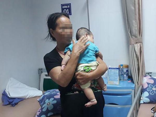 Xót xa lời kể của người mẹ có con trai 6 tháng tuổi bị sùi mào gà sau khi cắt bao quy đầu