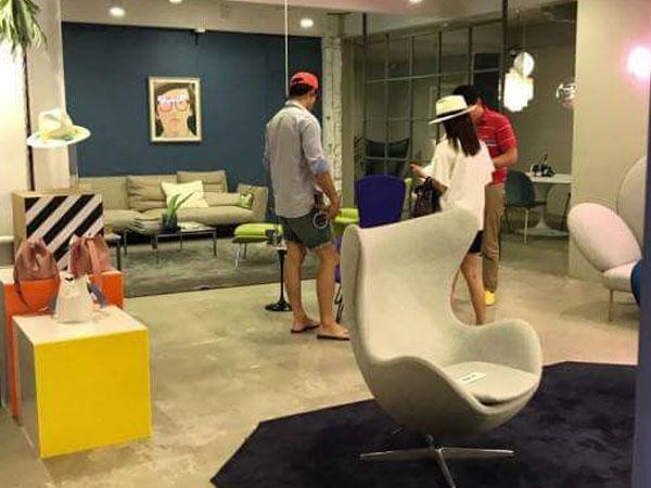 Bà bầu Kim Tae Hee cùng chồng đi sắm đồ nội thất cho nhà mới