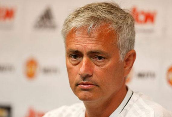 "HLV Mourinho tuyên chiến với ""tứ đại gia"" Premier League"
