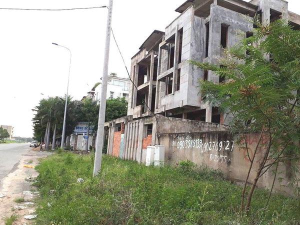 Liều mua biệt thự gần nghĩa trang: Đại gia bỏ rơi 20 tỷ đồng